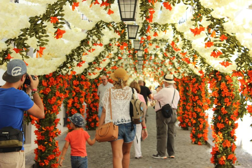 The City that has been Decorated with Colorful Paper-010