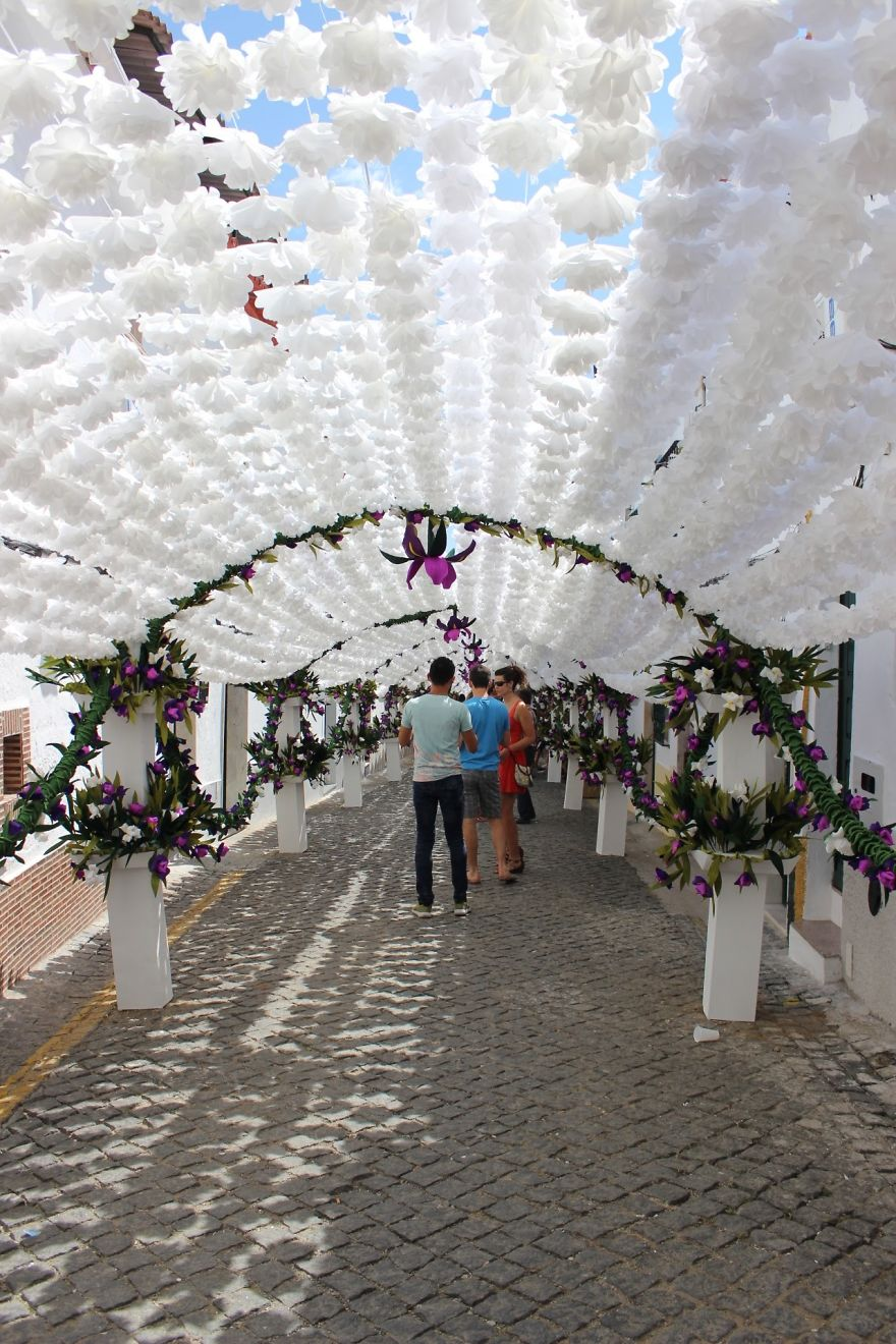 The City that has been Decorated with Colorful Paper-05