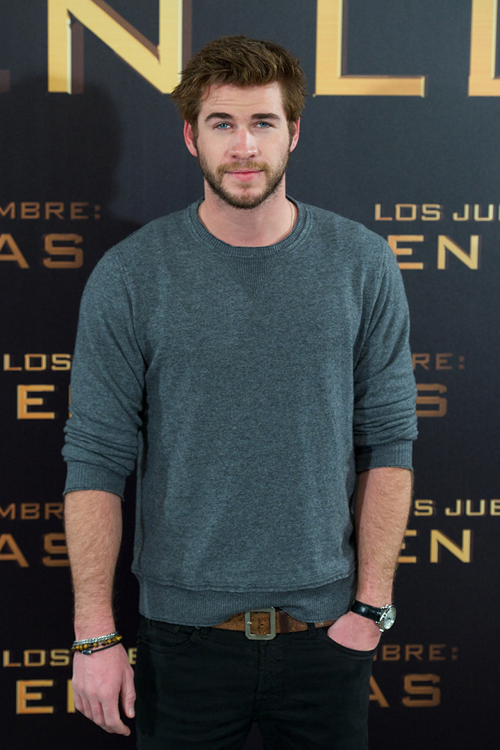 "MADRID, SPAIN - NOVEMBER 13: Actor Liam Hemsworth attends the Spanish photocall of the film ""The Hunger Games - Catching Fire"" (Los Juegos Del Hambre: En Llamas) at the Villamagna Hotel on November 13, 2013 in Madrid, Spain. (Photo by Carlos Alvarez/Getty Images)"