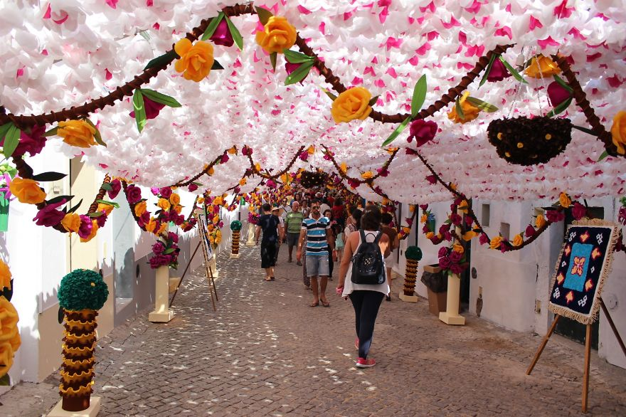 The City that has been Decorated with Colorful Paper-011